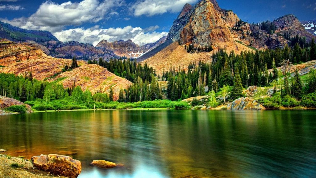 Lake & Mountain Wallpaper